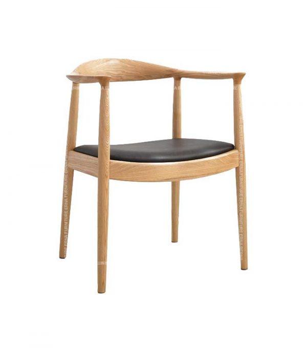 Hans-J-Wegner-style-The-Chair-natural-ash